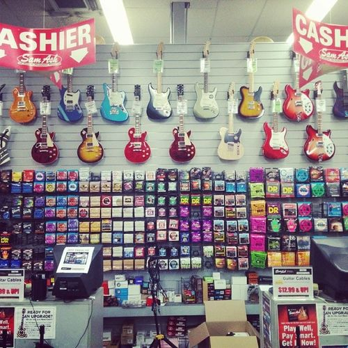 Even though I'm not a Musician but it makes me wanted to cry. SamAsh Guitars Musics studios electric CDs musicstore awesome