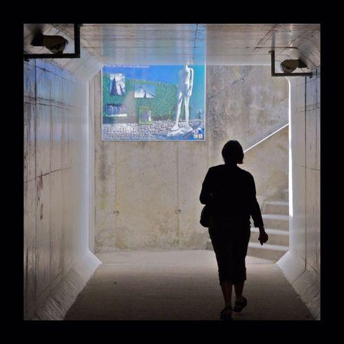 Belle passante... Passage Urbanphotography Silhouette