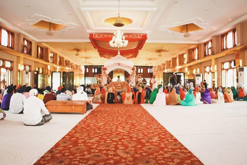 Millennial Pink Weddings Vyah Marriage Ceremony Sikh Sikh Temple Sardarji India Indian Colours Architecture Travel Shaadi Groom Punjabi Large Group Of People Punjabiwedding Punjabiculture Punjabistyle Sikhism Photographer Recording Memories Memorable Moment Kirpan
