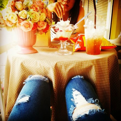 Sweet♡ Flowers Lemon Tea Beutiful Moments.  At Bakery Cafe 🍋🍋🍋🍋really Hot