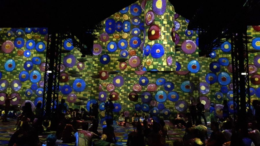 Museum Exposition Gustav Klimt Video On The Walls On The Floor People Sitting Great Atmosphere Great Moment Great Artist Atelier Des Lumieres - Paris