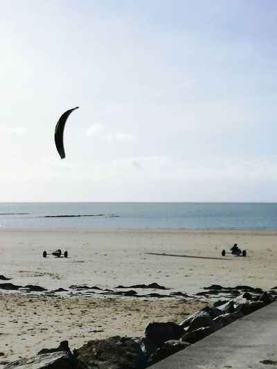 Kiteboarding Sky Beach