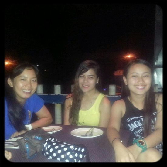 It's Sir Ed's day! Happy Beerday from the Tres Marias :p