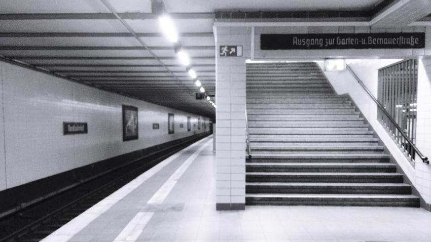 Berlin SNAPSHOTS Berlin Berlin Photography Ubahn Berlin Black & White Berlindubistsowunderbar Berliner Ansichten Blackandwhite Nordbahnhof