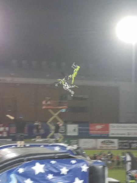 Nitrocircuslive Fmxrider Dirt Bike City Life Action Shot