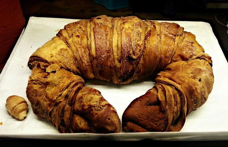 Giant Croissant Croissant 20 Euros