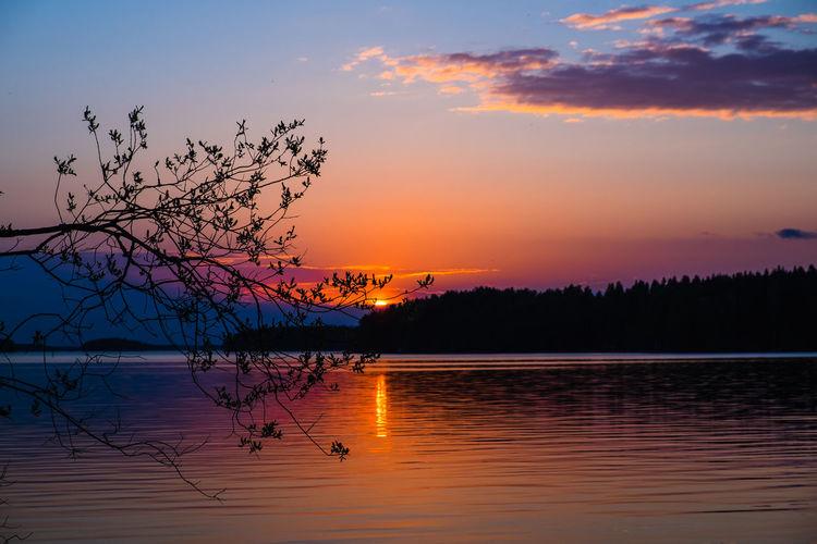 Sunset Sunset #sun #clouds #skylovers #sky #nature #beautifulinnature #naturalbeauty #photography #landscapeSun_collection, Sky_collection, Cloudporn, Skyporn