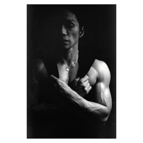 Ripped, she was | @abioj Days before competition | Womensphysique Athlete Femalebodybuilder | LeicaM4 50mm summicron and TriX 400tx blackandwhite film | chiaroscuro portrait leica analogphotography