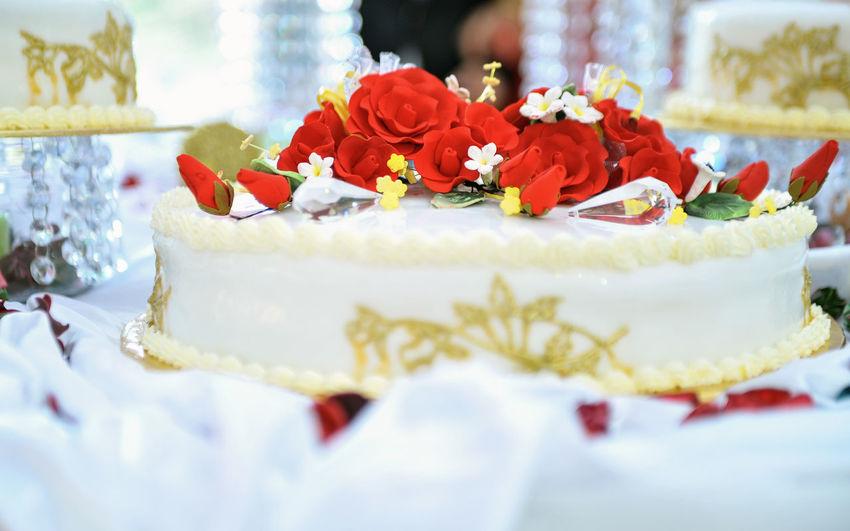 Wedding cake decorated with fondant roses