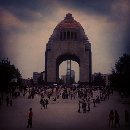 Monumento a la Revolución Revolucion_mm Mexico Postales Monument centro photooftheday photowalk photography streetarteverywhere streetphotography streetartistry streetart streetartchilango