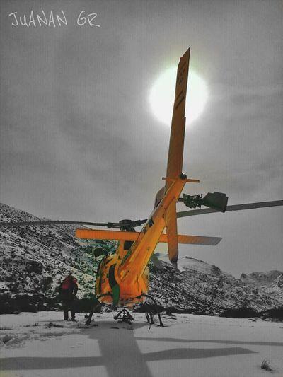 Cold Temperature Winter Outdoors Spain♥ Rescue Helicopter Search&Rescue Rescue Helicopter Mountain Helicopters Helicoptero Montañas❤ Mountain Rescue Gredos Castillayleon Castilla Y León 112