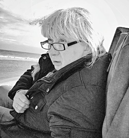 B&W Portrait Black And White Let's Do It Chic! Taking Photos Relaxing Cleaning My Account At EyeEm Beachphotography On The Beach Enjoying Life