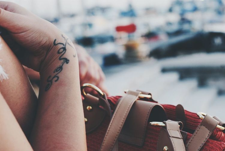 Tattoo Up Close Street Photography Street Street Photography Details Tattoos Urban Landscape Livorno Tuscany Backgrounds Selective Focus Port Hands Lifestyles Bag Arms
