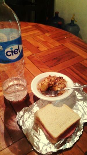 """Desayuno """"saludable"""" 5todia por salud :)"""