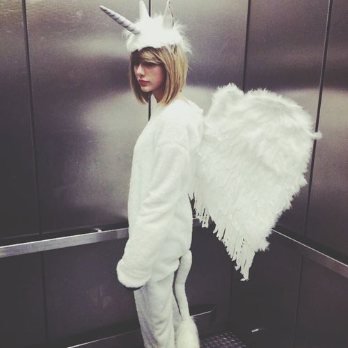 Taylor Swift ✨ Unicorns ✨ Flying Yeah!