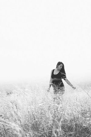 Only Women Beauty Nature Day Beauty In Nature Nikontop Photooftheday Nikon D5200 Portrait Photography Portrait Of A Woman Maternity Maternity Photography Maternityphotography Outdoor Photography Outdoor Blackandwhitephotography Blackandwhite