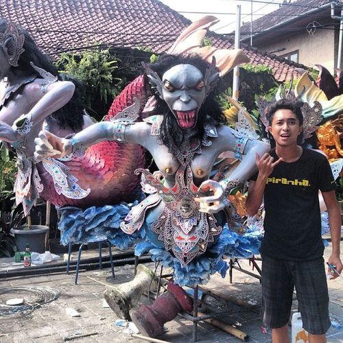 Duyunk dan watu gankga Bali Seminyak OgohOgoh Duyung