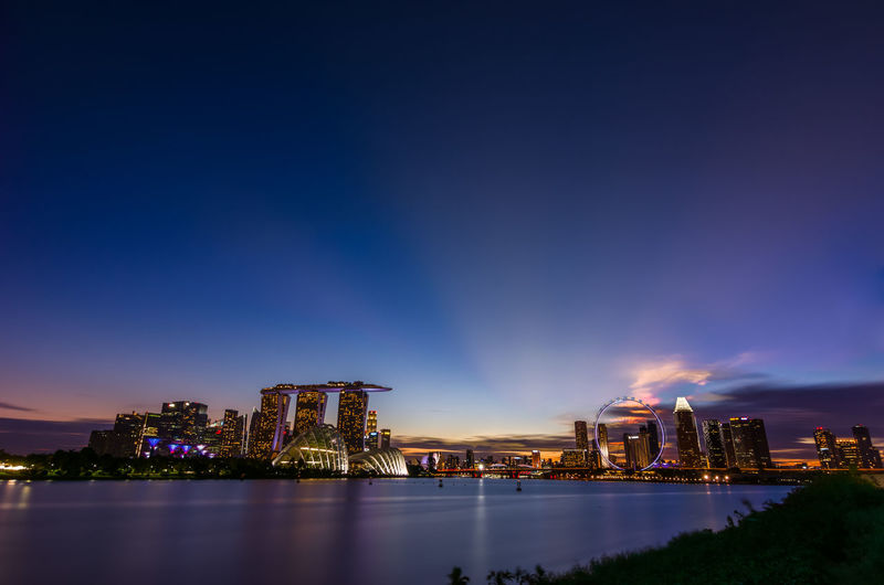 Last light Singapore Travel ASIA Cityscape Illuminated Skyscraper Architecture City Urban Skyline City Life Travel Destinations Modern Built Structure No People Sky Outdoors Evening Dusk Sunset Blue Hour Asdgraphy ND64 Filter Sony Landscape The Traveler - 2018 EyeEm Awards