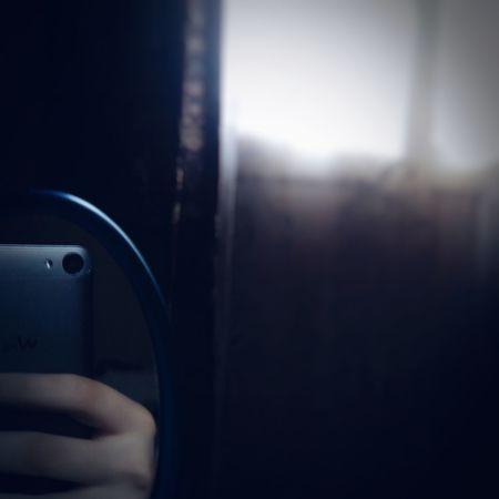 Selfie ✌ Mirror Mirror Selfies  Wiko Wiko Jerry Reflection Reflection Selfie Window Window Lighting Home Curtains Close-up Human Hand Smartphonephotography Smart Phone Human Body Part Noontime