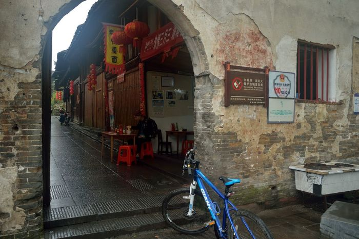 Bicycle Bike Rider Built Structure Eating Narrow Old Town Parked Rest Travel