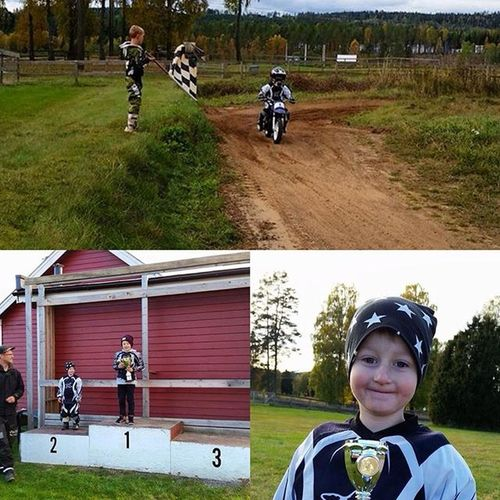 Så stolt över dig min lille pojk!! En 2:a plats på KM i Cross här i Ulricehamn. I'm so proud of you my little boy!! A second place in MX KM here in Ulricehamn. 50cc PW50 Stoltpappa Killemeddrag fullfart MX highjump