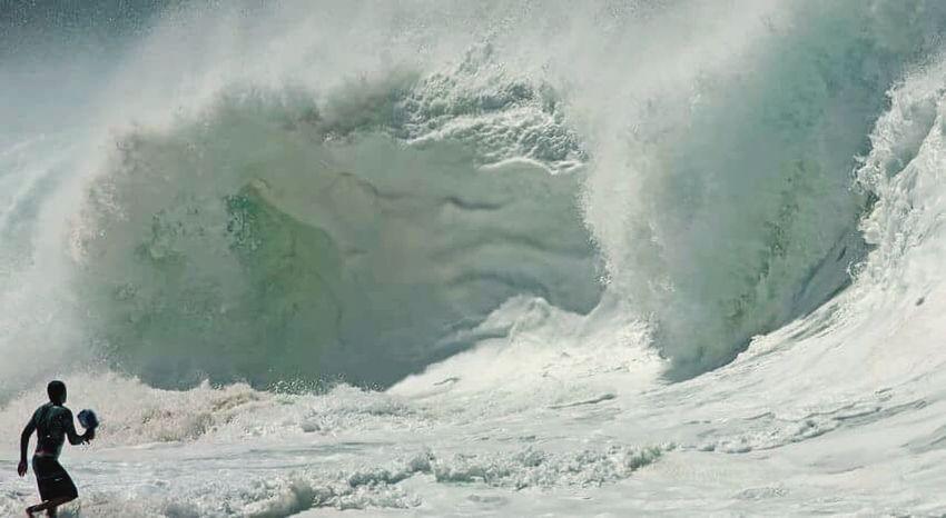 Huge Waves Itacoatiara