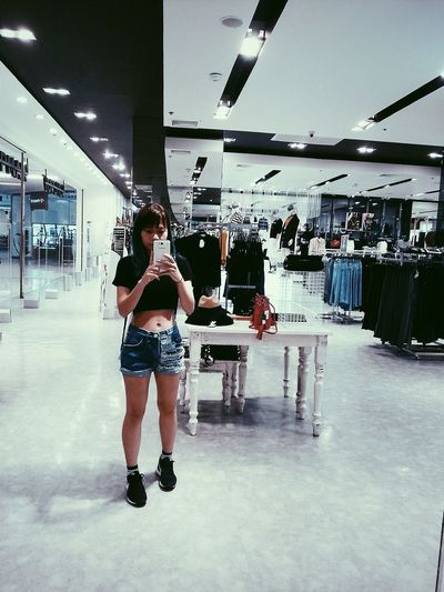 ME ThatsMe Bangkok Thailand Shopping ♡ Ootf VSCO Vscofilm Lovemyself CropTop Streetstyle Jeans Shorts Mirrorselfie