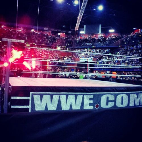 Best seats ever!!! Wwe Raw 2012 Milan