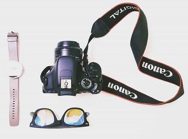 Ready to start the day📸 Camera Smartwatch Moto360 Canon600D Glasses Sunglasses Digitalcamera Travel Ready To Start The Day Digital Photography Digital Camera Arrangement