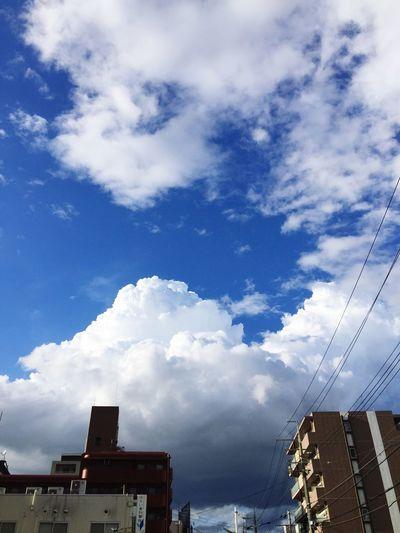 都会の空 雲 Cloud Sky