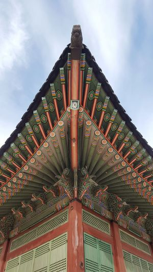 Architecture Built Structure Roof Travel Destinations Building Exterior No People Building Low Angle View Sky Korean History Seoul South Korea Historical Building Gyeongbokgung Palace, Seoul Korea Part Of A Roof Colourfull Art