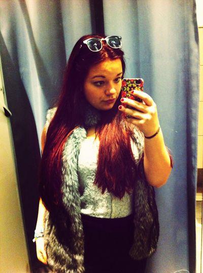 :) Selfie Shopping Fake Fur Redhead
