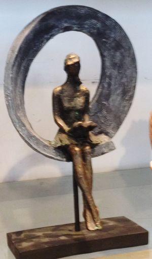 Human👬 Art And Craft Human Representation Statue