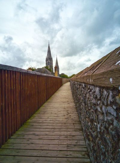 Battle Of The Cities St Finn Bar Cathedral St Fin Barres Cork Castle Cathedral Architecture Built Structure Architecture Cloud Cloudy Footbridge Walkway No People Onepluslife Oneplusphotograpgy Oneplus2 Art And Craft Oneplustwo Travel
