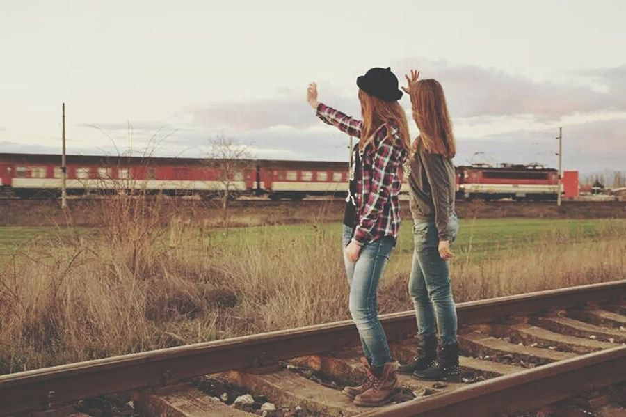 sometimes you miss the memories, not the person.?? Girls Taking Photos Photoshoot Train