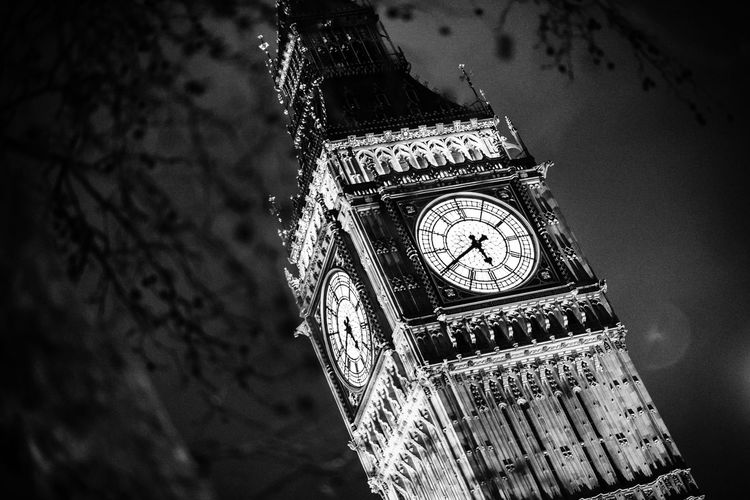 Big Ben [London] London, United Kingdom Big Ben Big Ben, London Black And White City Clock Clock Face Clock Tower David Sury  Europe London Low Angle View Minute Hand Monochrome Night No People Old-fashioned Street Time Uk United Kingdom Watch