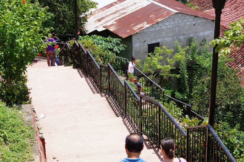 #pueblomagico #stairs #tapijulapa Architecture Built Structure Day Green Color Nature Outdoors Plant Real People Tree