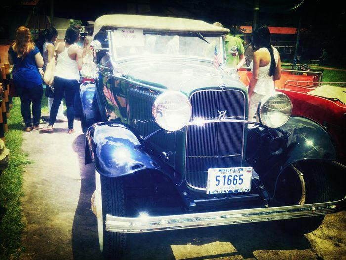 Muy bonito!! Old Cars