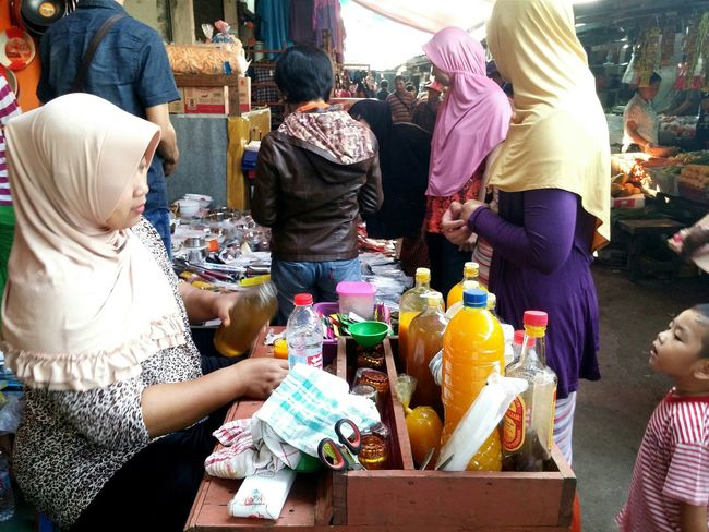 People Photography Traditional Market Traditional Drink Healthy Drink Jamu Snapshots Of Life My Country In A Photo Capturing Movement Live To Learn RePicture Motherhood