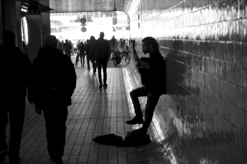 Monochrome Photography Musician Gitarist Person Blackandwhite Musik TUNNELVIEW Bnw Photography Bnw Musiker Streetart Street Tube Durchgang Against The Light Streetlife TakeoverMusic The City Light