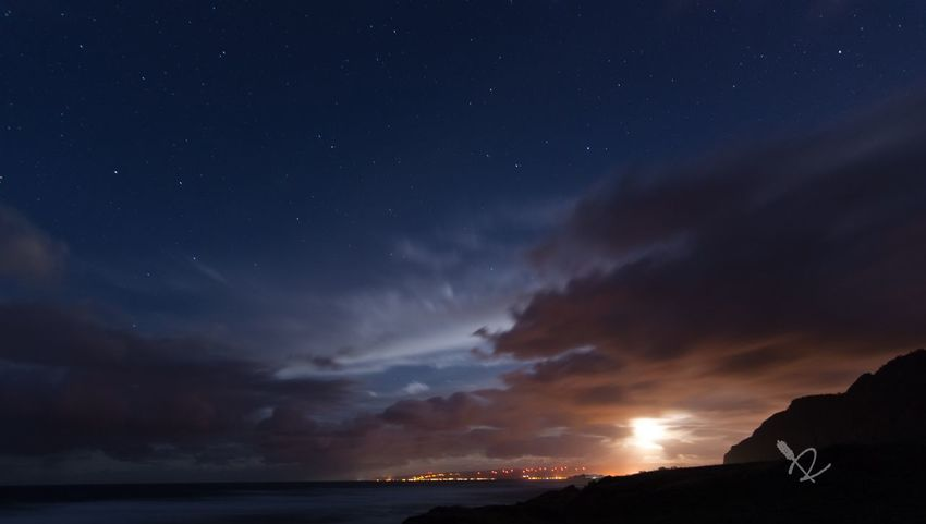 Managed to find a break in the Clouds And Sky to capture the Stars and the Moon shining down The Minimals (less Edit Juxt Photography) Check This Out EyeEm Best Shots EyeEm Best Edits Eye4photography  Astrophotography Only In Hawaii