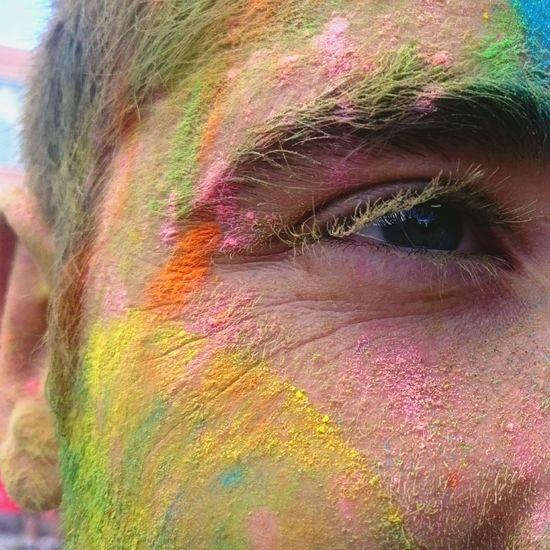 Holy Party Oeil Poudre Colors Couleurs Nîmes Fetes Musique