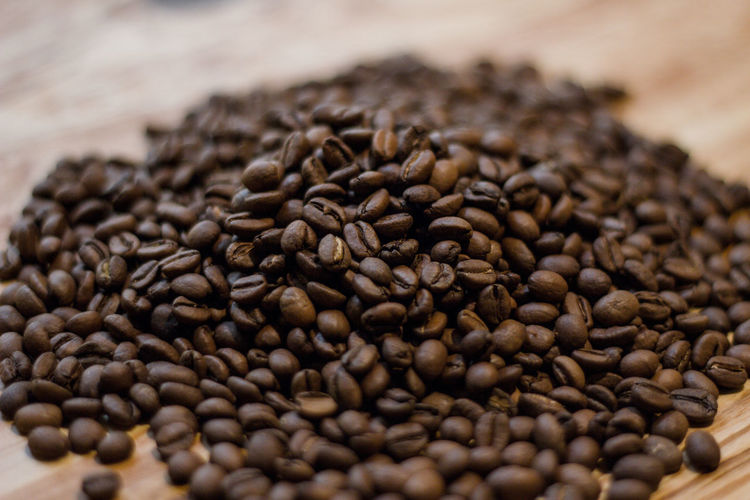 Food And Drink Food Roasted Coffee Bean Coffee - Drink Coffee Brown Selective Focus Freshness Indoors  Close-up No People Abundance Large Group Of Objects Seed Roasted Studio Shot Caffeine Still Life Sack Scented