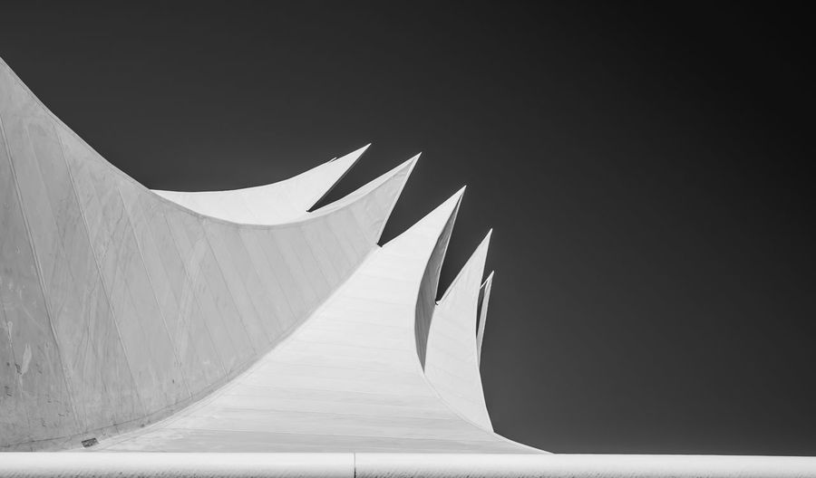 No People Sky Copy Space Pattern Day Close-up Wall - Building Feature Shape Built Structure Sunlight Shadow Architecture Clear Sky Low Angle View Architecture_collection Architectural Detail Black And White Blackandwhite Black & White Monochrome Lookingup Tempodrom Simplicity Minimalism