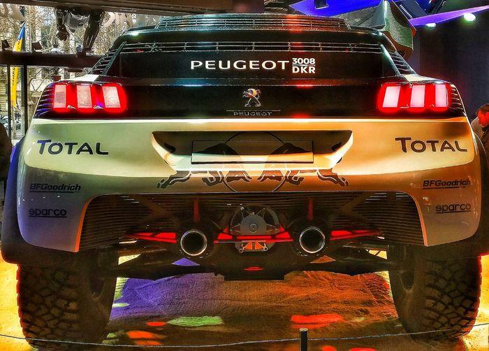 Car Close-up Peugeot Dakar 2017 Winner France 🇫🇷 Champselysées Plus Belle Avenue Du Monde OneplusShot PhonePhotography Oneplus3 Snapseed Paris