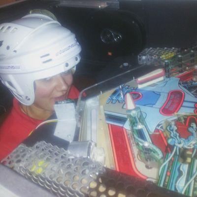 @domimuszynska 's head stuck in pinball machine Vscocam VSCO Pinball HEAD bunkier sztuki wystawa