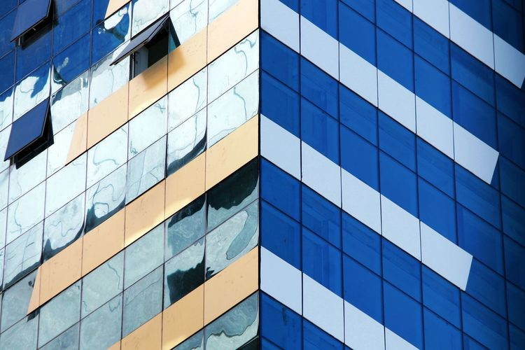 Residential Building EyeEm Selects The Graphic City Window Architecture Backgrounds Built Structure Pattern Blue Building Exterior Abstract Modern Skyscraper Day Outdoors No People Futuristic City