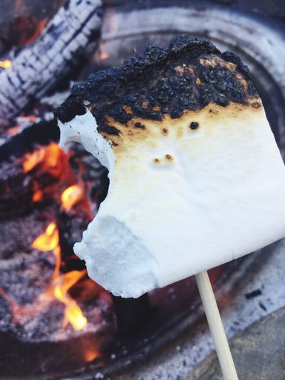 Marshmallows Close-up Flame Chilling Yummy Burned Fire Outside Outside Photography Backyard Always Be Cozy