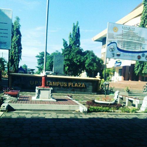 morningg kampusku, cerah sekali hari ini secerah hatikuu😘 ,hihi semangat kuliah pagii yaaa 😊😁InstaMagAndroid Kampus  Upy Nokondusif santai