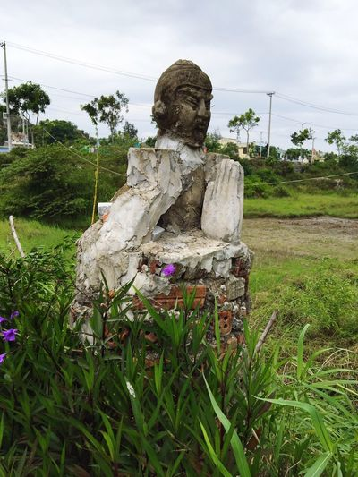 Creative sculpture Vietnam Buddhist Sculpture Praying Concrete Bricks Creative DIY